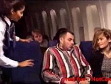 Ебут стюардессу прям в самолете