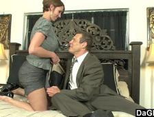 Босс трахает любовницу секретаршу