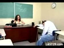 Оттрахал свою секси училку загнув ее раком