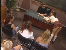 Студенты ебутся с преподом после пар