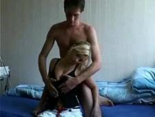 Ебет свою девушку блондинку