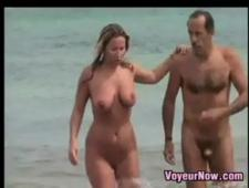 Подсмотренно на пляже за нудистами
