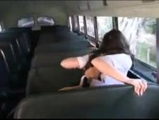 Трахнул в автобусе похотливую студентку