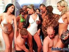 Коктейльная вечеринка перешла групповуху