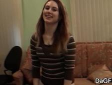 Трахнул свою девушку раком перед видеокамерой