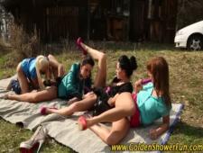 Четыри подруги лижут пезды друг другу
