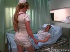 Медсестра трахнула пациента на койке