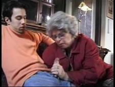 Внук ебет свою старую бабку