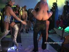 Развратная вечеринка в клубе