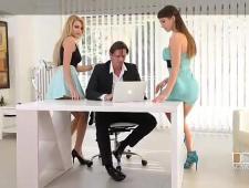 Ебут секретарш видео