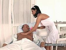 Трахнул в больнице молодую медсестру
