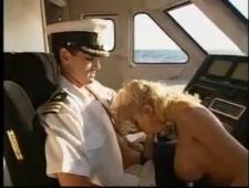 Классно сосет в самолете без палева