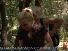 Девочек связали  и отъебали  в лесу