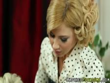 Обкончал двух блондинок в одежде