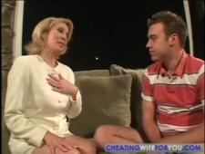 Сын трахает мамину подругу
