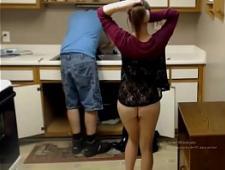 Молодая дама изменяет своему мужу