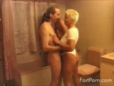 Парочки в возрасте пробуют секс обмен