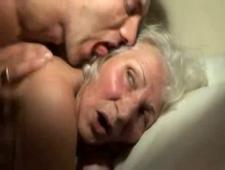 Бабушки ебутся с внуками подборка