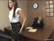 Выебал секретаршу в писечку