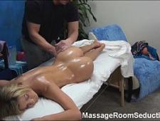Эротический массаж вагины пальчиками