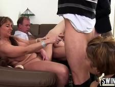 Вылизал киску мамочке перед сексом