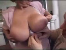 Бабушка трахается с молодым парнем
