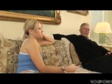Дед выебал внучку когда спалил ее за мастурбацией