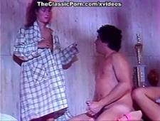 Мужик трахает жену домохозяйку